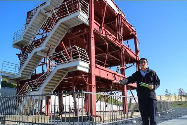 <写真1:南三陸町旧防災対策庁舎からの中継イメージ>